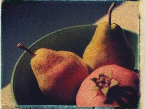 Bowl of Fruit by Jennifer Kennard