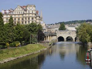 Pulteney Bridge and River Avon, Bath, UNESCO World Heritage Site, Avon, England, UK, Europe by Jeremy Lightfoot