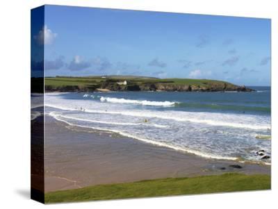 Surfers, Harlyn Bay, Cornwall, England, United Kingdom, Europe