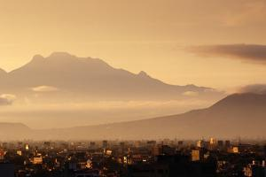 Ixtaccihuatl Volcano by Jeremy Woodhouse