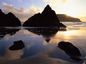 Sunset on the Oregon Coast at Harris Beach State Park, Oregon, USA by Jerry Ginsberg