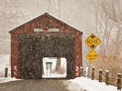 Snow Falling on the West Cornwall Covered Bridge over the Housatonic River, Connecticut, Usa