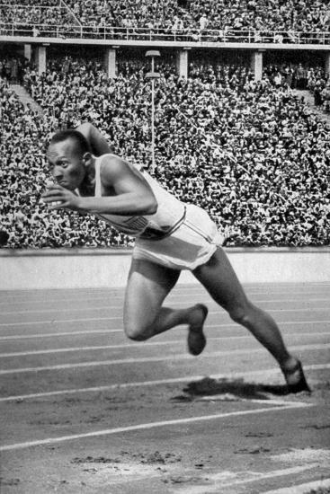 Jesse Owens at the Start of the 200 Metres at the Berlin Olympic Games, 1936--Giclee Print