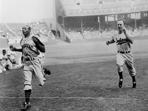 Jesse Owens Beating Baseball Player George CAse in 100-Yard Dash at Cleveland Stadium
