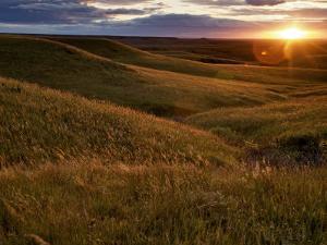 Sunset over the Kansas prairie by Jim Richardson