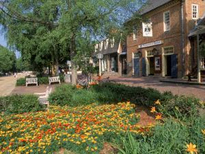 Merchants Sq, Williamsburg by Jim Schwabel