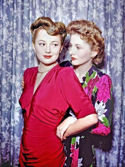 Joan Fontaine, Olivia De Havilland--Photographic Print