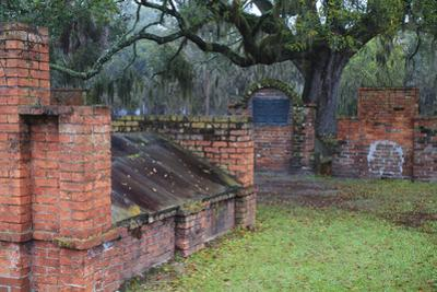 Georgia, Savannah, Burial Vaults in Historic Colonial Park Cemetery