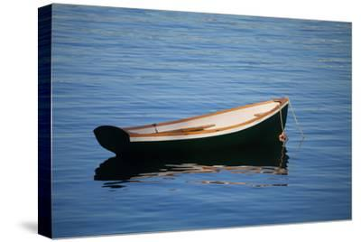 USA, Maine, Small Row Boat at Bass Harbor