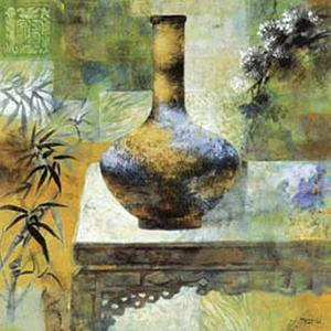 Vase by Joaquin Moragues