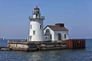 Cleveland West Pierhead Lighthouse, Ohio, USA by Joe Restuccia III