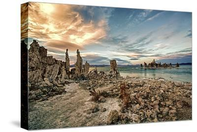 USA, California, Mono Lake. Tufa Formations.