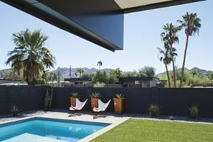A mid-century modern house in a Phoenix subdivision. by Joel Sartore