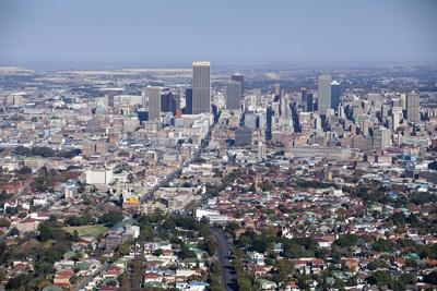 https://imgc.artprintimages.com/img/print/johannesburg-city-aerial-view-south-africa_u-l-pzpc4d0.jpg?artPerspective=n