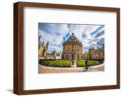 Radcliffe Camera with Cyclist, Oxford, Oxfordshire, England, United Kingdom, Europe