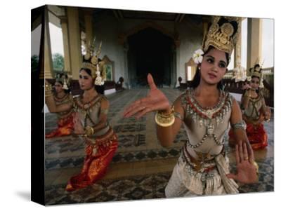 National Ballet Performing Ancient Apsara Dance at Royal Palace Pagoda, Phnom Penh, Cambodia