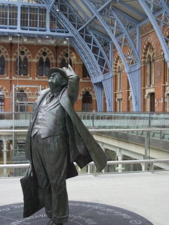 https://imgc.artprintimages.com/img/print/john-betjeman-statue-st-pancras-international-train-station-london-england-united-kingdom_u-l-p7lnao0.jpg?p=0