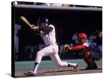 San Francisco Giants Willie Mays at Bat, Cincinnati Reds Catcher Johnny Bench Behind the Plate