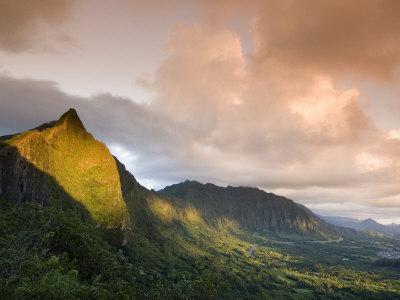 Nu'uanu Pali at Sunrise, Oahu, Hawaii