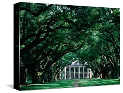 Oak Alley Plantation in Mississippi River Valley
