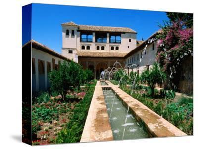 Patio de la Acequia, Generalife, Alhambra, Granada, Andalucia, Spain