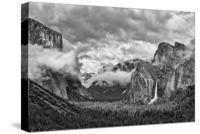 USA, California, Yosemite, Bridalveil Falls