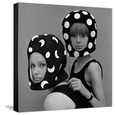 Celia Hammond and Patty Boyd in Edward Mann Dots and Moons Helmets, 1965