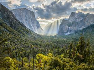 Tunnel View Sun Rays by John Gavrilis