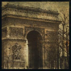 Arc de Triomphe by John Golden