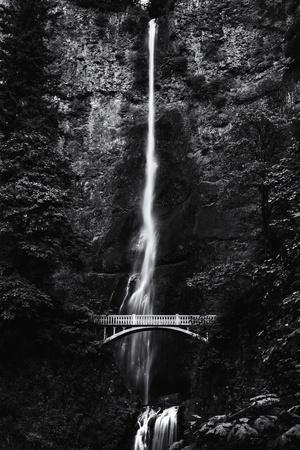 Multnomah Falls 1 mono
