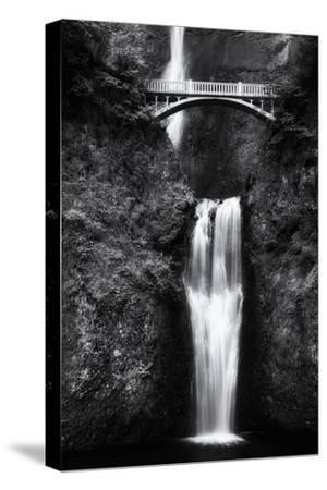 Multnomah Falls 2 Mono