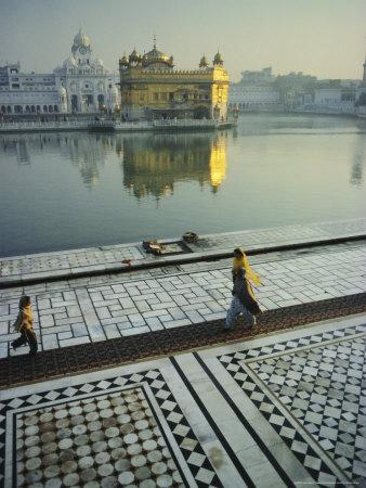 The Golden Temple, Holiest Shrine in the Sikh Religion, Amritsar, Punjab, India