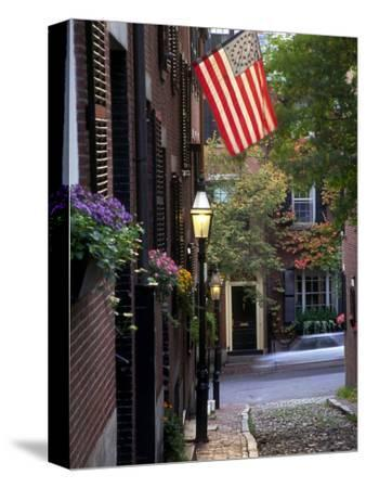 Cobblestone Street and Historic Homes of Beacon Hill, Boston, Massachusetts, USA