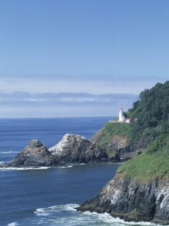 Heceta Head Lighthouse and Seastacks, Cape Sebestian, Oregon, USA