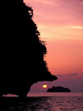 Karst Islands of Andman Sea, Rai Leh Beach, Thailand