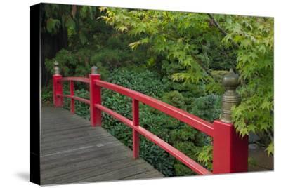 Red Bridge, Kubota Japanese Garden, Renton, Washington, USA