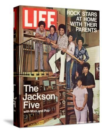 The Jackson Five with their Father and Mother, Joseph and Katherine, September 24, 1971