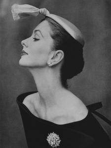 Vogue - August 1954 - Suzy Parker in Profile by John Rawlings
