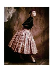 Vogue - October 1953 by John Rawlings