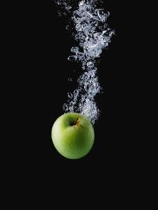 Green Apple in Water by John Smith
