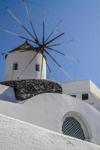 Santorini, Greece. White Washed Buildings and the Aegean Blue Sky by Jolly Sienda