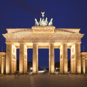 Brandenburg Gate, Pariser Platz, Berlin, Germany by Jon Arnold