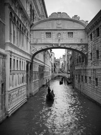 Bridge of Sighs, Doge's Palace, Venice, Italy