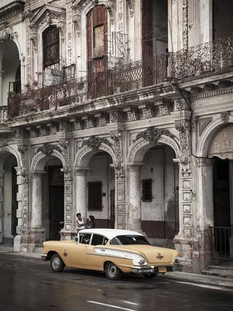 Classic American Car (Chevrolet), Paseo Del Prado, Havana, Cuba