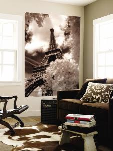 Eiffel Tower, Paris, France by Jon Arnold