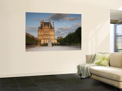 Jardin Du Tuileries and Musee Du Louvre, Paris, France