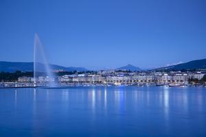 Jet D'Eau on Lake Geneva, Mont Blanc in the Distance, Geneva, Switzerland by Jon Arnold