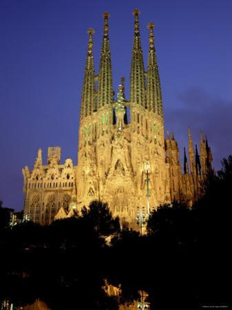 La Familia Cathedral, Barcelona, Spain by Jon Arnold
