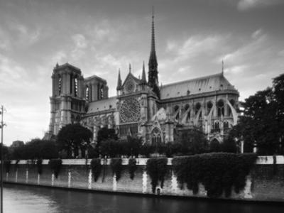Notre Dame, Paris, France by Jon Arnold