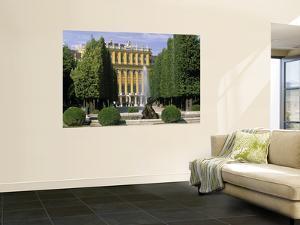 Schonbrunn Palace, Vienna, Austria by Jon Arnold